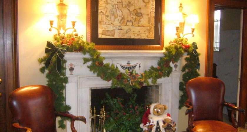 Holiday Christmas Fireplace Mantel