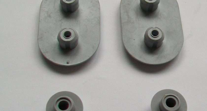 Ideal Standard Celmac Toilet Seat Oval Buffer Pack