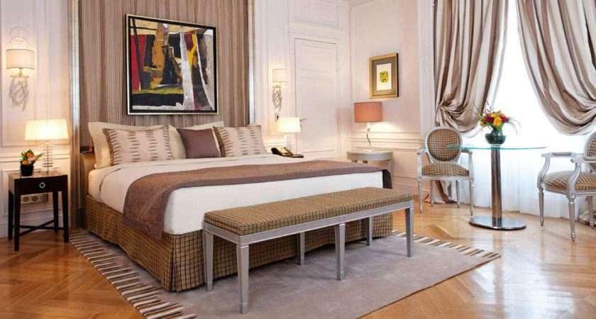 Inspiring Parisian Style Bedroom Decoration