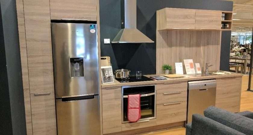 John Lewis Fitted Kitchen House Range Display