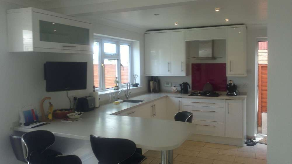 Kitchen Fitter Restoration Refurb Specialist Carpenter Joiner
