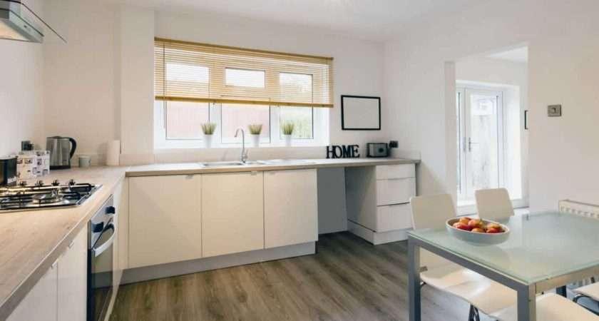 Laminate Wood Floor Good Choice Your Kitchen