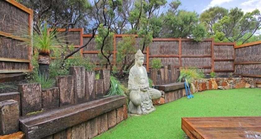 Landscaped Garden Design Using Grass Deck Sculpture Gardens