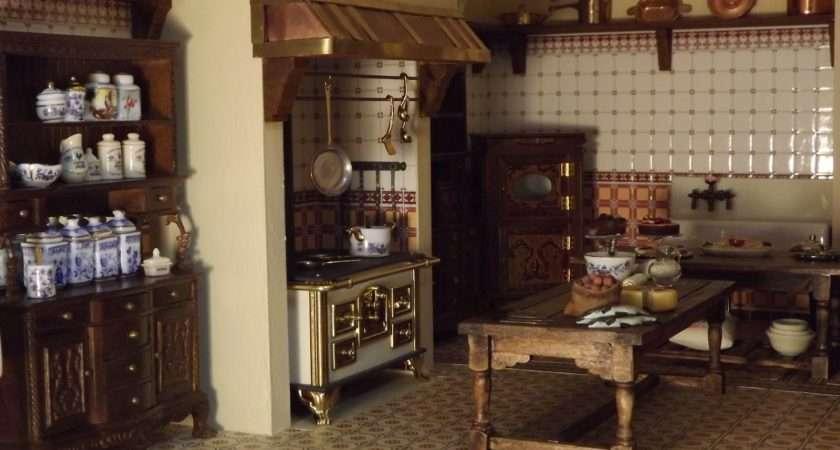 Late Victorian English Manor Dollhouse Miniature Scratch