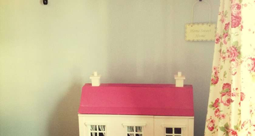 Living Room Vintage Inspired Cath Kidston Dolls House