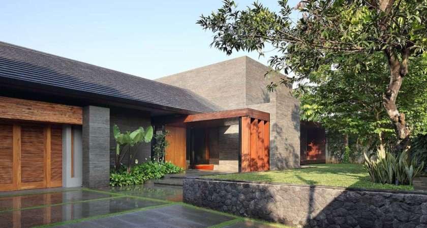 Luxurious Elegant Diminished House South Jakarta