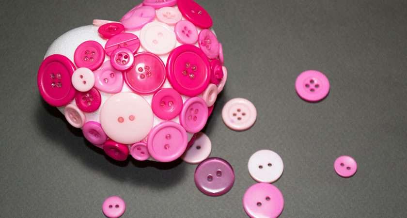 Make Button Heart Decorations Valentinescraft Buttonhearts