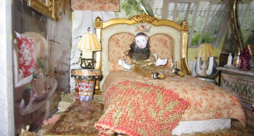 Make Four Poster Canopy Bed Your Dollhouse
