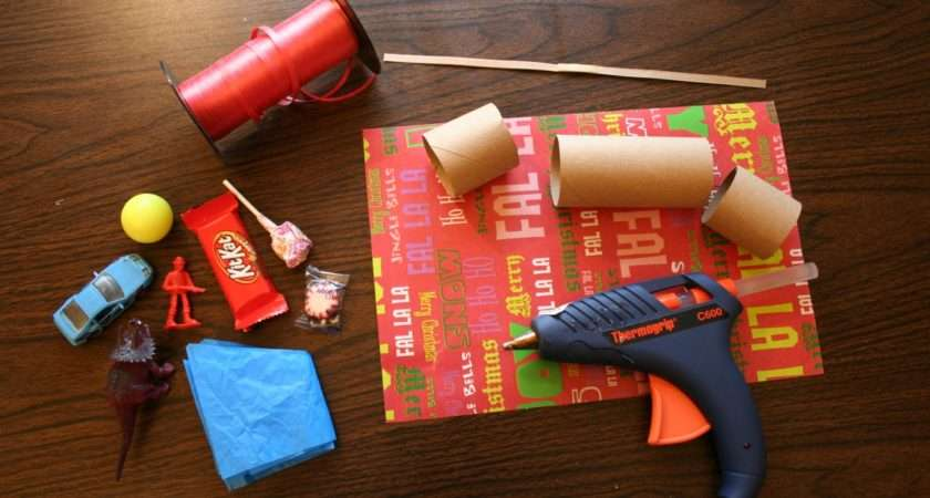 Make Your Own Traditional English Christmas Crackers
