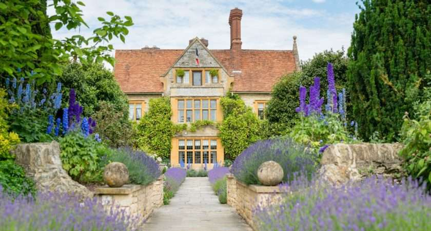Manoir Aux Quat Saisons Hotel Review Oxfordshire Travel