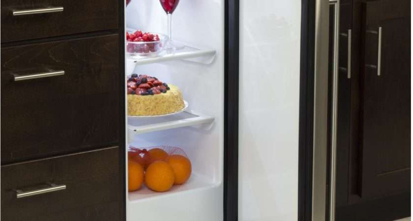 Marvel Inch Right Hinge Compact Refrigerator