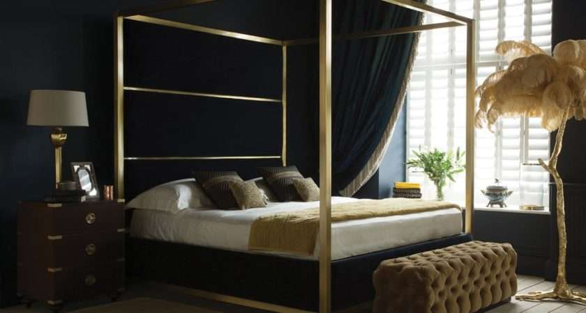 Metal Modern Four Poster Bed Decorate
