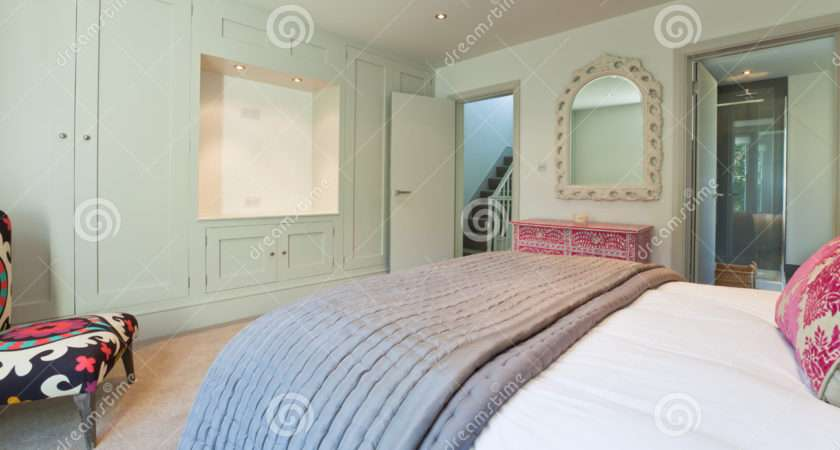 Modern Chic Bedroom Bedspread House