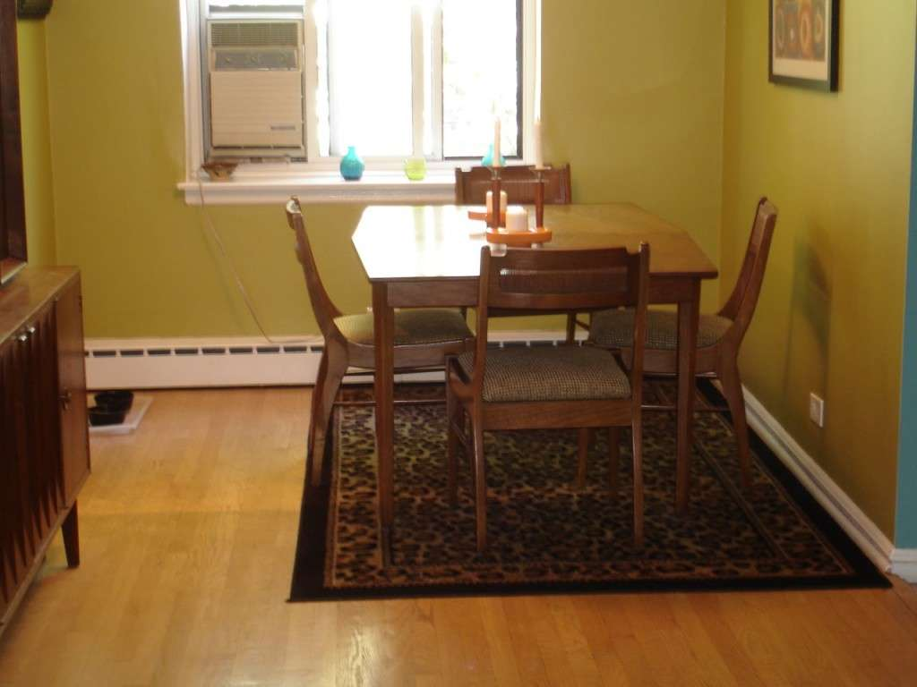 Modern Dining Room Classic Rugs Diningroomstyle