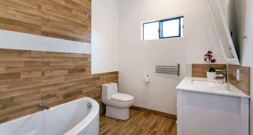 Modern Wood Panel Bathroom Los