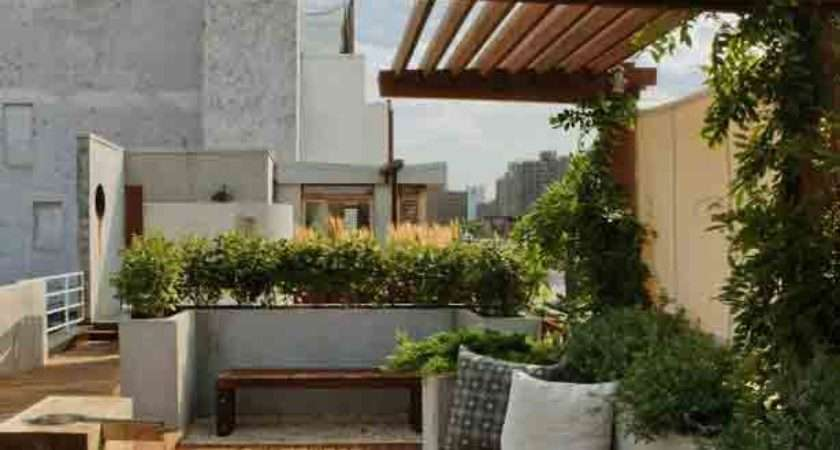 New York City Rooftop Garden Offers Views Privacy