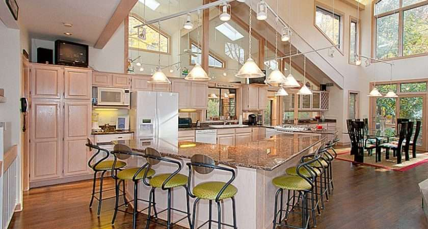 Open Kitchen Floor Plans Give Fresh Ambience