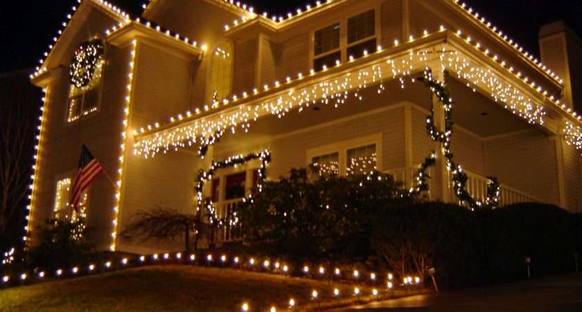 Outdoor Christmas Lighting Having Gold Clear Light Set Tree