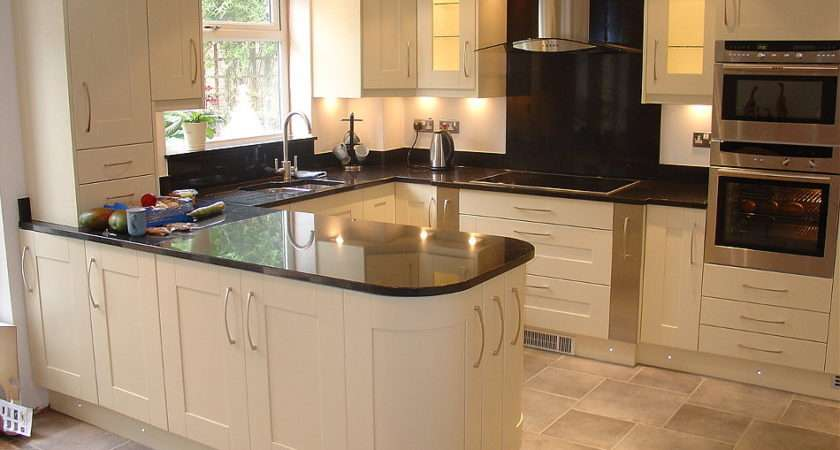 Painted Ivory Solid Wood Kitchen Angola Black Granite