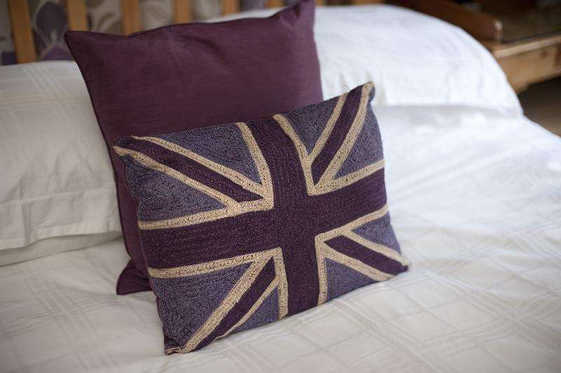 Patriotic British Themed Bedroom Cushions Bearing Union Jack