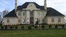 Perfect Symmetrical Style Home Design Decoration