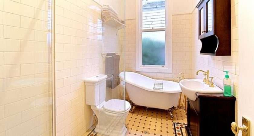 Provincial Bathroom Design Claw Foot Bath Using Tiles