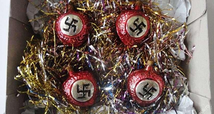 Public Outrage Nazi Christmas Baubles Sold Czech