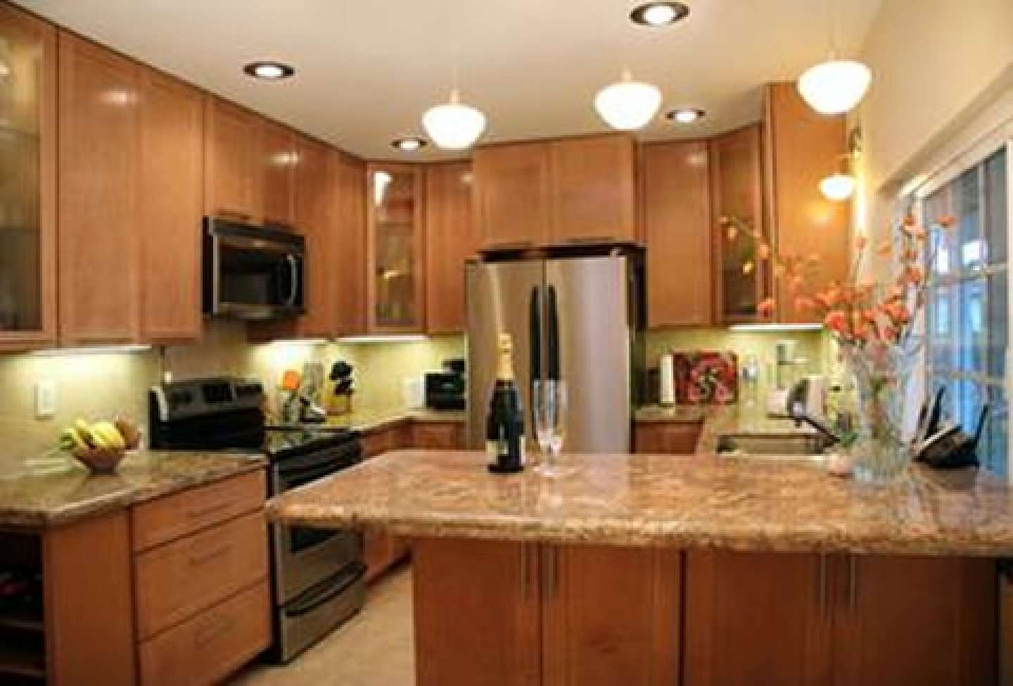 Remodeling Very Small Shaped Kitchen Design Interior