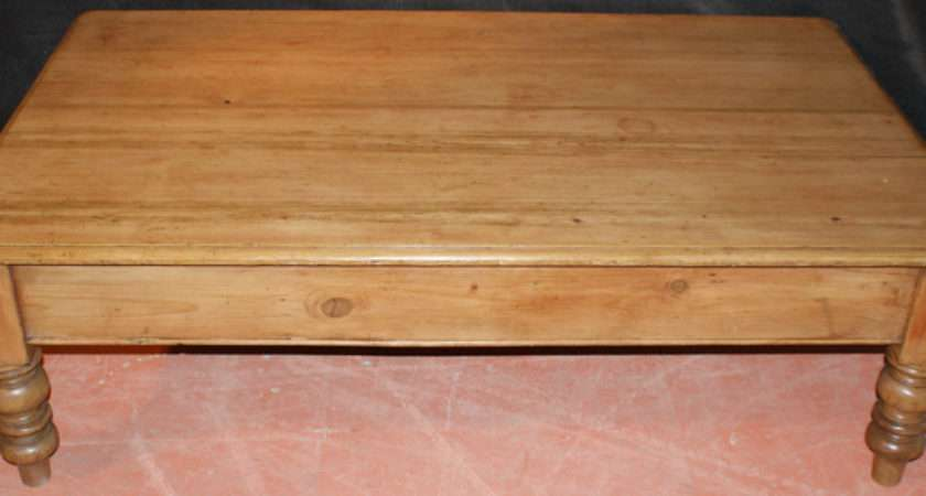 Scrubbed Top Pine Coffee Table Antique Tables