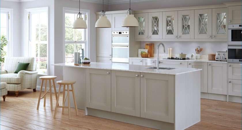 Shaker Kitchen Doors Madison Painted Light Grey Uform