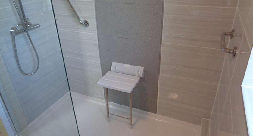 Shows Walk Shower Tray Tiled Feature Wall