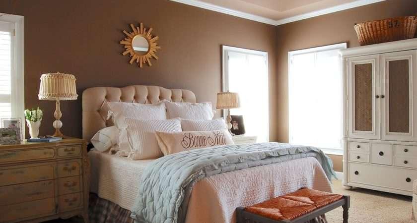 Simple Farmhouse Bedroom Design Ideas