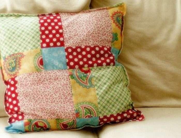 Simple Patchwork Pillow Wonderfuldiy