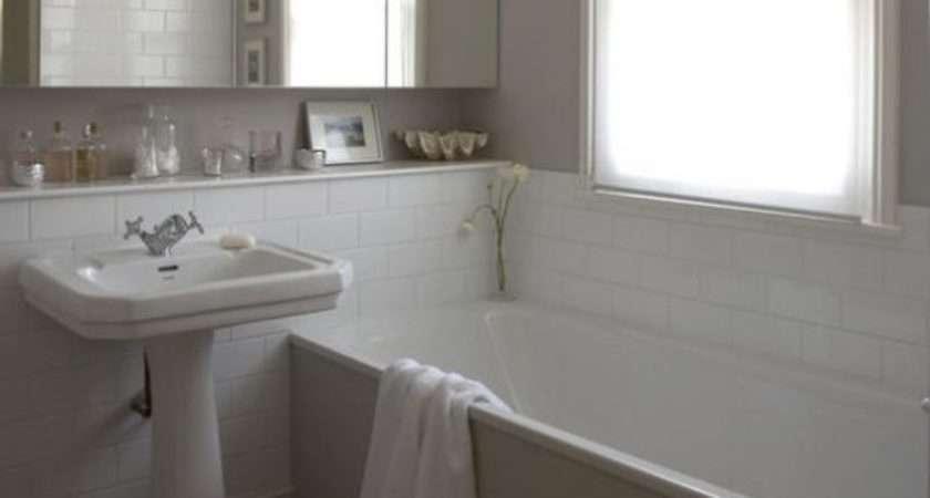 Simple White Bathrooms Interior Designs