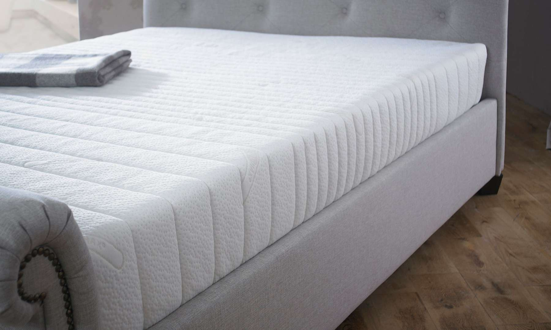 Single Coolmax Deluxe Pocket Sprung Memory Foam Mattress