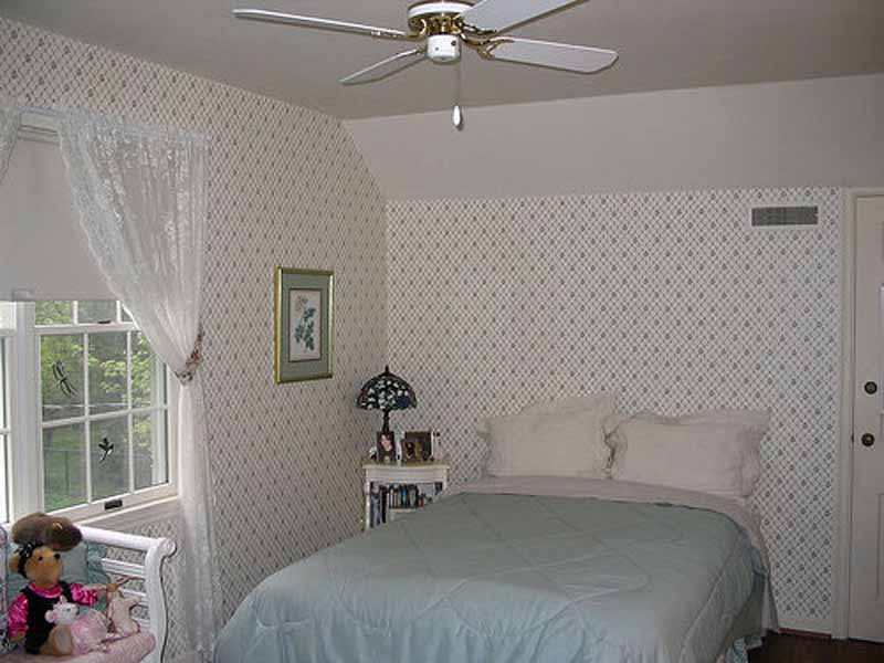 Small Bedroom Decorating Ideas