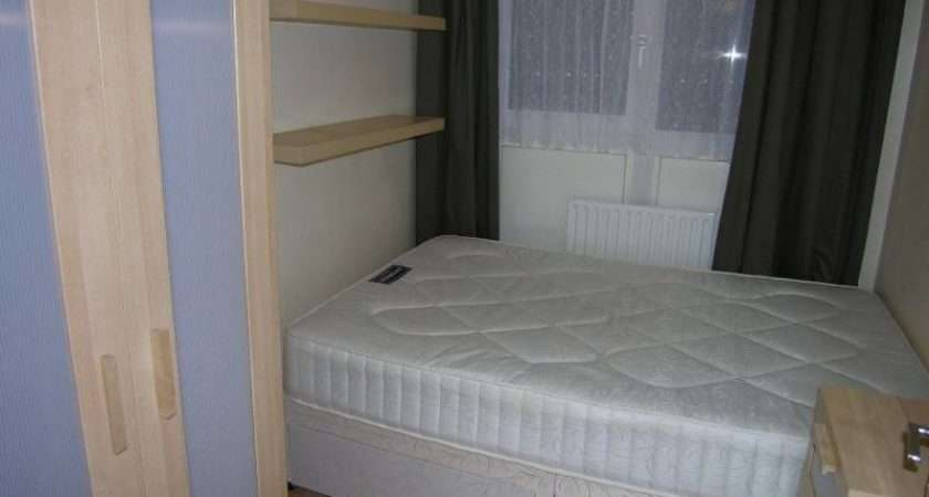 Small Double Room Bed Flat Gay Male Spare