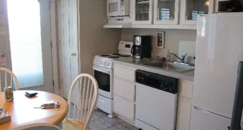 Small Kitchen Very Nice Appliances Okay Snug