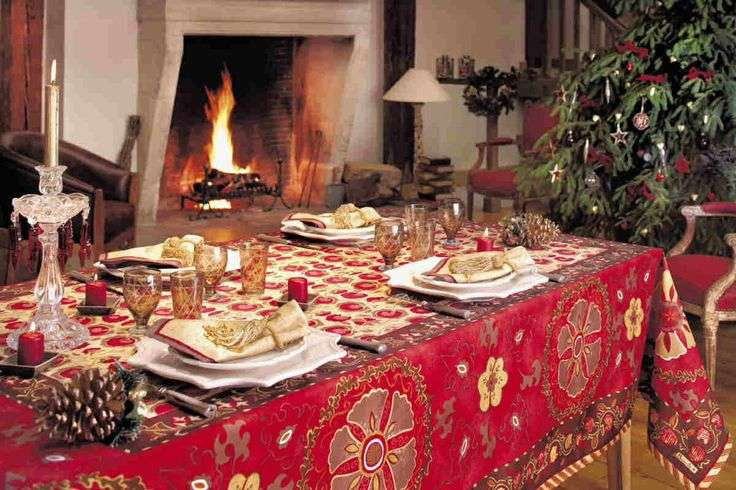 Stunning Christmas Dining Room Cor Ideas Digsdigs