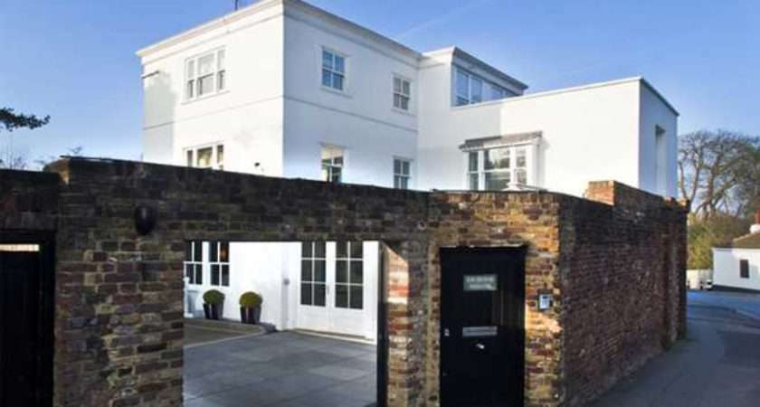 Style Harry Styles New House Feature