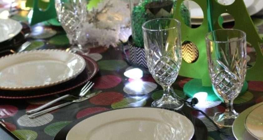 Stylish Christmas Table Setting Doesn Break Bank