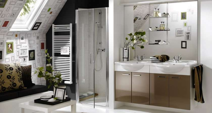 Stylish Sloping Ceiling Bathroom Design Liftupthyneighbor
