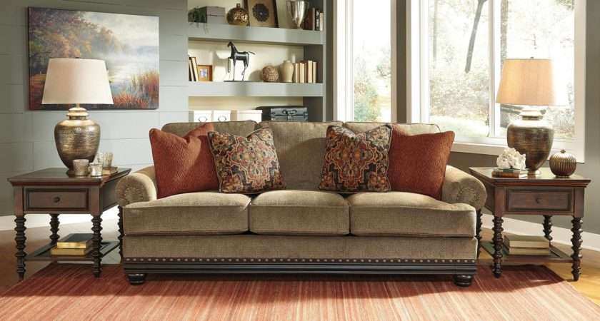 Taking Vintage Styled Furniture Into Decorating Ideas