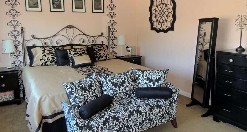 Teen Bedroom Damask Decor Idea Also Sofa Bed
