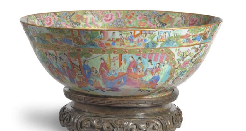 Tennants Auctioneers Large Cantonese Porcelain Punch Bowl