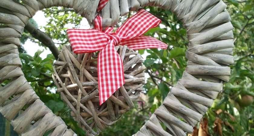 Tobs Grey Willow Double Heart Wreath