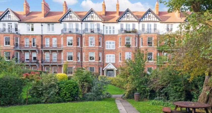 Top Mock Tudor Houses Sale North London