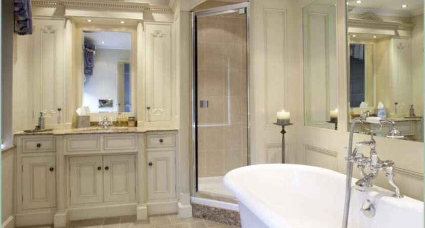 Trendy Bathroom Traditional Call