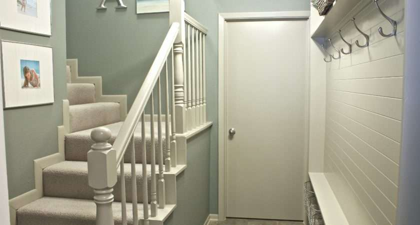 Turn Narrow Hallway Into Mudroom Creativity Exchange