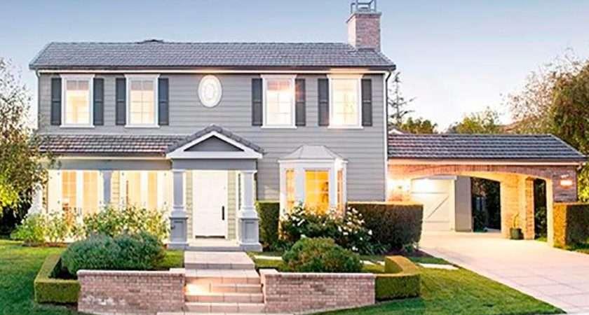 Untangling Kardashian Real Estate Empire